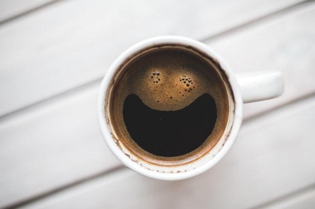 4 utilizări ale cafelei reci