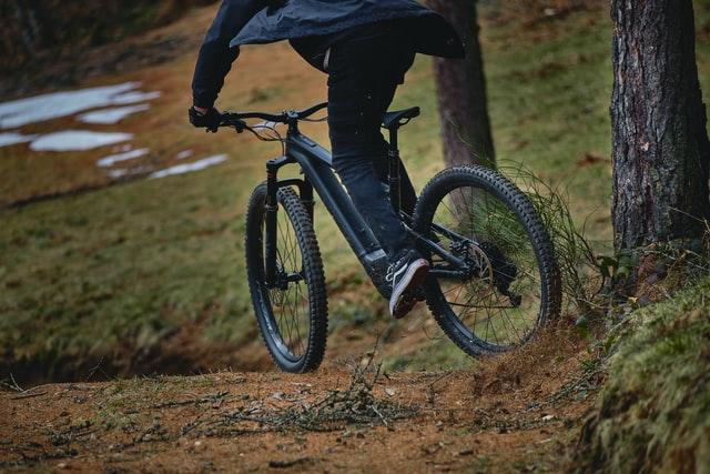 Antrenarea muschilor abdominali cand mergi pe bicicleta